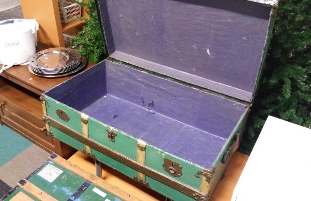 hutkoffer-paars-vintage-kringloop-alphen-aan-den-rijn-go-with-the-vlo