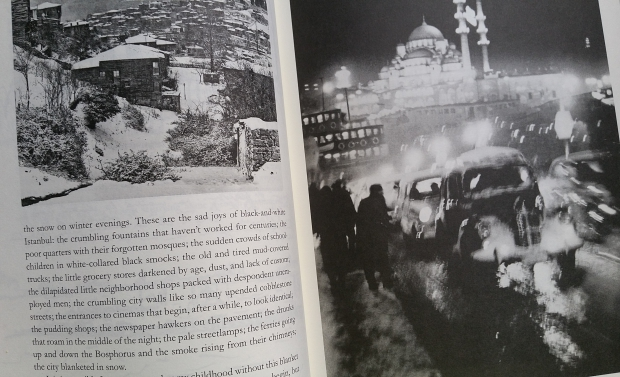 istanbul-memories-and-the-city-orhan-pamuk-brug-winter-go-with-the-vlo