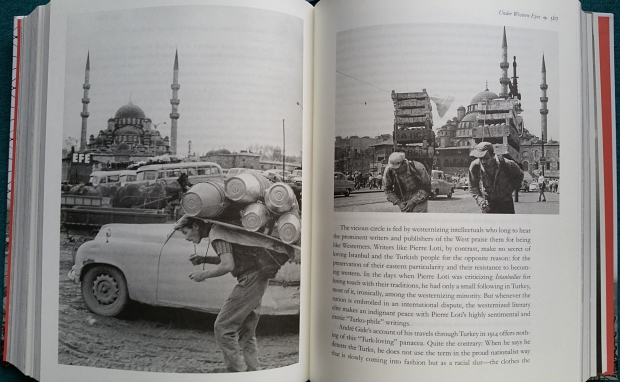 istanbul-memories-and-the-city-orhan-pamuk-fotos-go-with-the-vlo