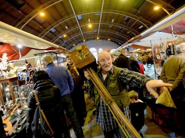 kerstmarkten-tweedehands-antiek-go-with-the-vlo