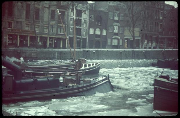 rotterdam-rederijkade-winter-kleurenfoto-richard-boske-stadsarchief-rotterdam-go-with-the-vlo