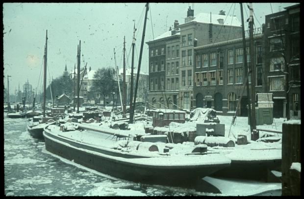 stadsarchief-rotterdam-leuvehaven-richard-boske-vooroorlogs-kleurenfoto-go-with-the-vlo