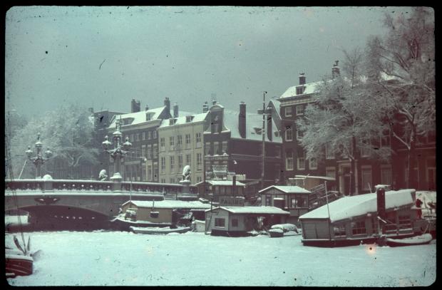 stadsarchief-rotterdam-regentessebrug-richard-boske-sneeuw-oude-kleurenfoto-go-with-the-vlo-2