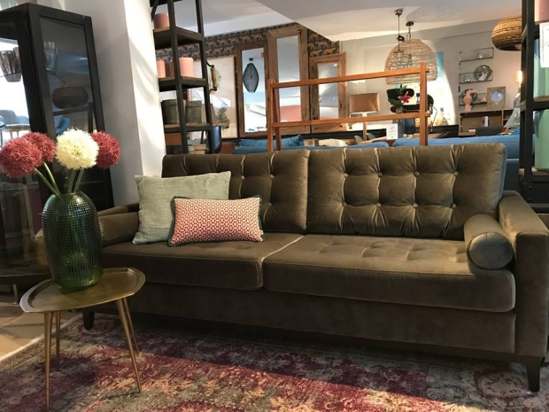 bank-home-stock-vintage-inspired-go-with-the-vlo