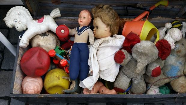 tweedehands-plastic-speelgoed-giftig-go-with-the-vlo