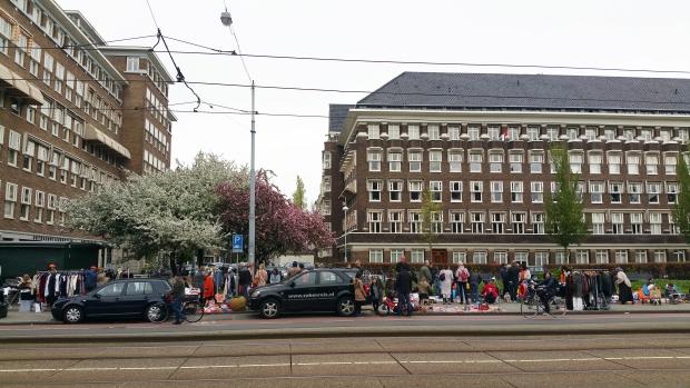 Amsterdam Oud Zuid Minervaplein vrijmarkt go with the vlo