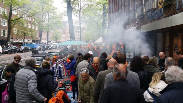 Beethovenstraat Amsterdam drukte vrijmarkt 2018 go with the vlo
