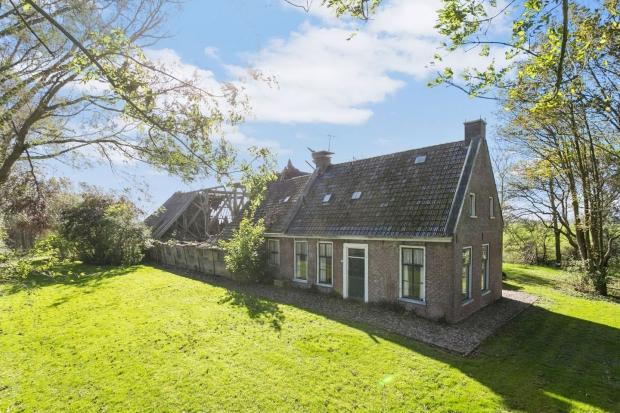 Friesland boerderij Vrouwenparochie voorkant go with the vlo