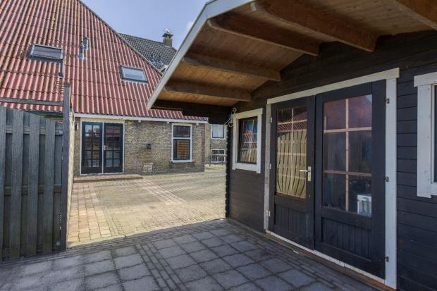Luinjeberd boerderij Friesland schuurtje go with the vlo