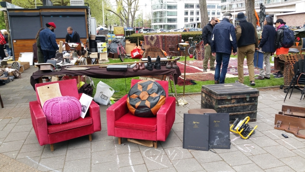 Vrijmarkt Apollolaan Amsterdam Hilton go with the vlo