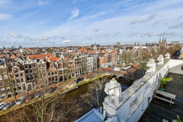 Amsterdam Keizersgracht penthouse skyline go with the vlo