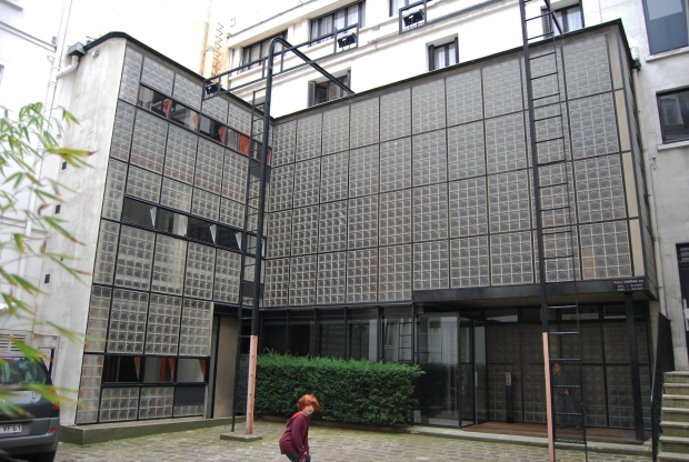 Maison de Verre Parijs Pierre Chareau go with the vlo