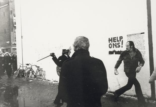 Nieuwmarktrellen 24maart 1975 Dolf Toussaint go with the vlo