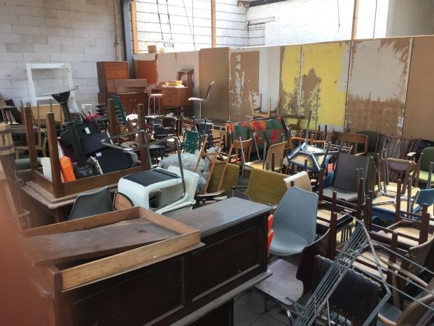 Rare and More vintage Deventer stoelen uitverkoop go with the vlo