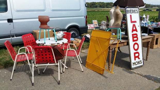 Brocante de Temploux België vintage meubels rommelmarkt go with the vlo