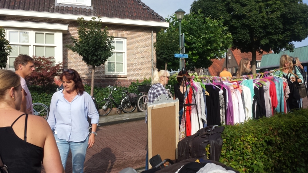 Hattem tweedehands kleding rommelmarkt go with the vlo