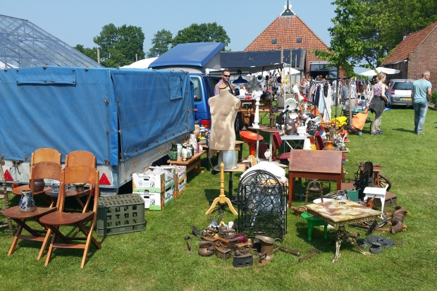 It Flinkeboskje Hemelum Flinke Flea Market rommelmarkt go with the vlo