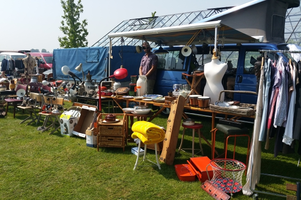 it Flinkeboskje rommelmarkt Flinke Flea Market Hemelum go with the vlo