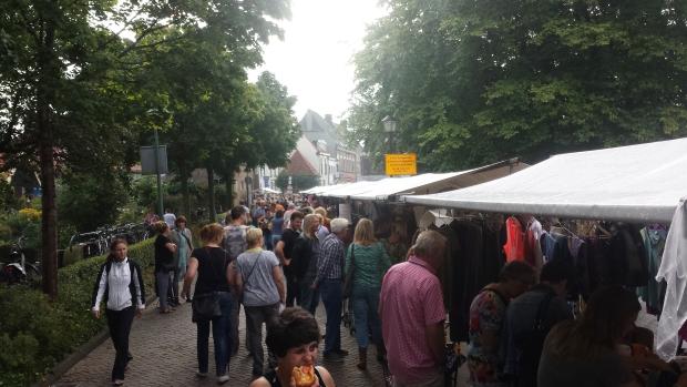 Rommelmarkt Hattem kramen tweedehands go with the vlo 2