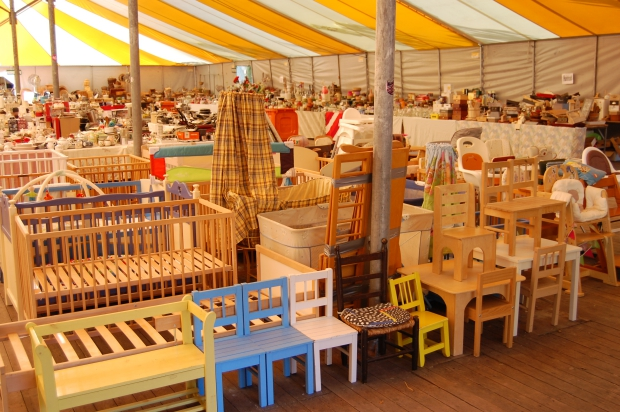 Mill Hill College Derdewereldrommelmarkt tweedehands kinderkamer go with the vlo