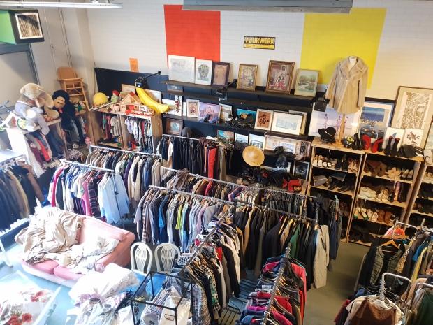 Kringloop Laakhaven Den Haag vintage kleding go with the vlo