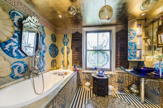 Binnenkijker Londen huis badkamer Henry Wilson go with the vlo