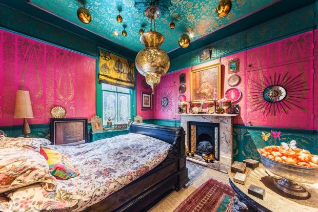 Binnenkijker Londen huis slaapkamer Henry Wilson go with the vlo