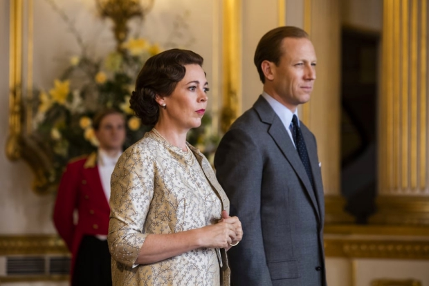 The Crown seizoen 3 Olivia Colman Tobias Menzies go with the vlo