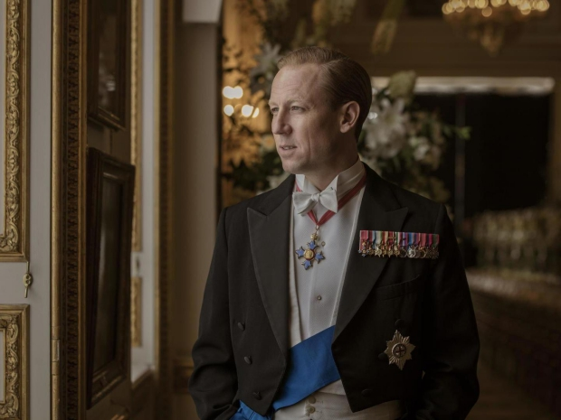 The Crown seizoen 3 Tobias Menzies prins Philip go with the vlo