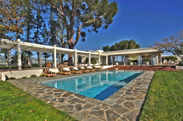 Byrdview Frank Sinatra zwembad midcentury binnenkijker go with the vlo