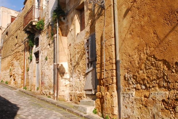 Sambuca Sicilië wonen huizen 1 euro Italië go with the vlo 5