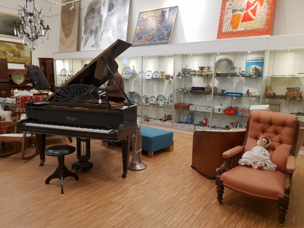 Vendu Rotterdam algemene veiling oosterse piano go with the vlo