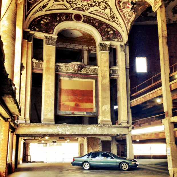 The Michigan Theatre Detroit parkeergarage auto go with the vlo