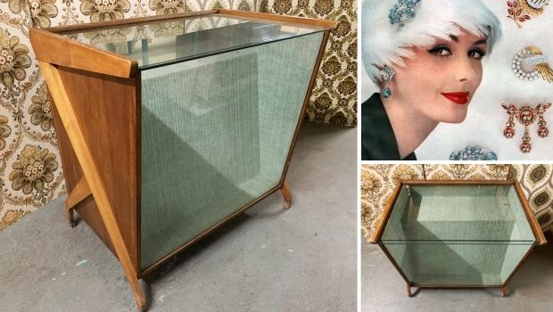 Kringloop Gewoon Goed juwelier Parijs oude toonbank go with the vlo