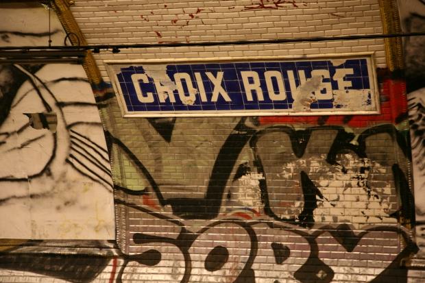 Spookstation Croix Rouge Parijs metro go with the vlo 4