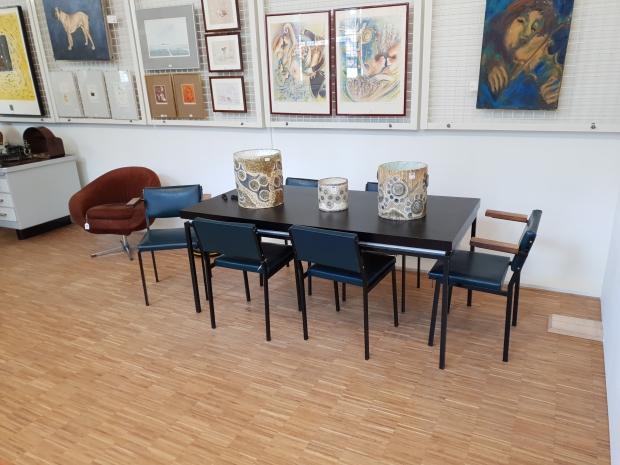 Vendu Rotterdam veiling tafel stoelen design go with the vlo