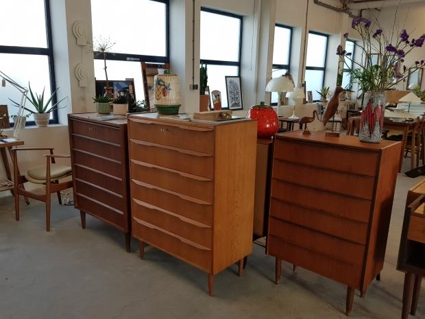Vintage Asylum showroom Scandinavische lampen meubels go with the vlo