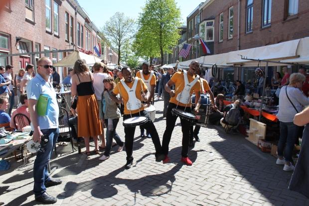Lombok Straatfeesten Utrecht muziek rommelmarkt go with the vlo