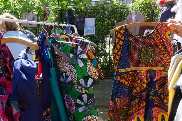 Lombok Straatfeesten Utrecht vlooienmarkt kleding go with the vlo