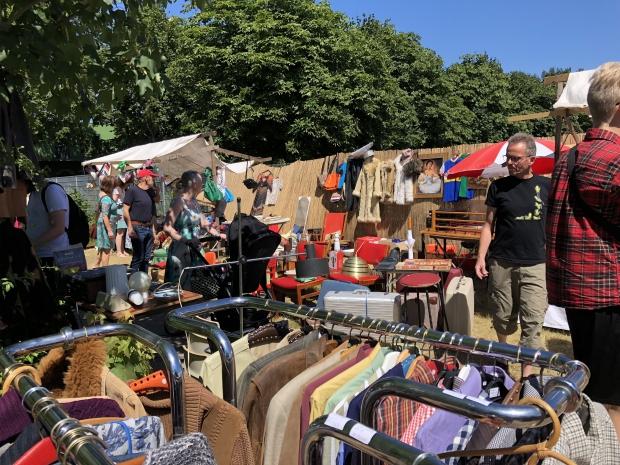 MESS Markt Harderwijk tweedehands vintage kleding go with the vlo