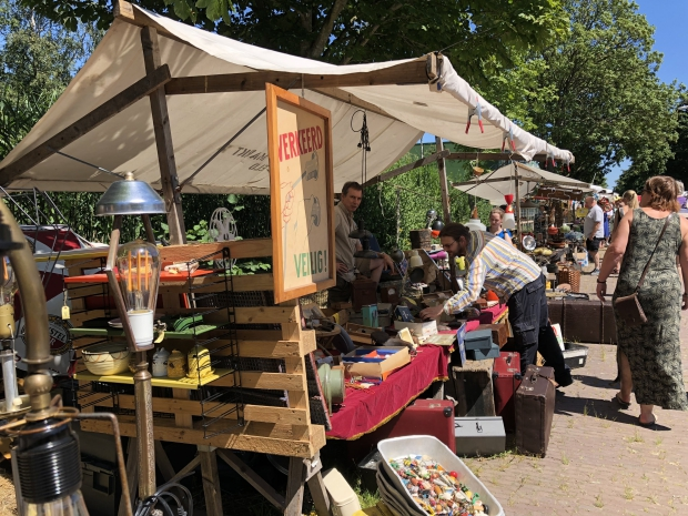 MESS Markt Harderwijk vintage design gezellig go with the vlo