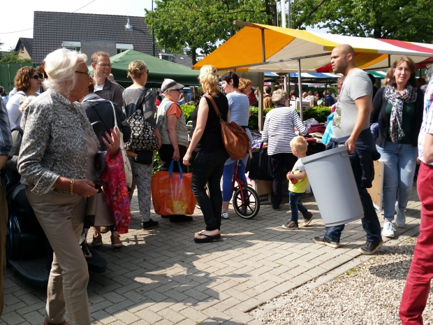 Waterloopleinmarkt Ugchelen 2019 kramen go with the vlo
