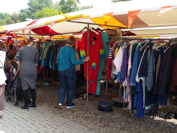 Waterloopleinmarkt Ugchelen tweedehands kleding go with the vlo