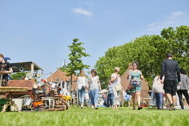 Flinkefarm Flinke Flea Market vlooienmarkt go with the vlo
