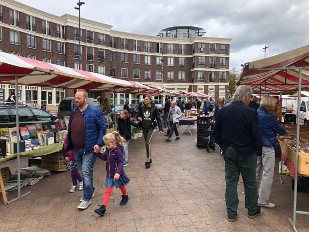 Boekenmarkt Schiedam zomer 2019 go with the vlo