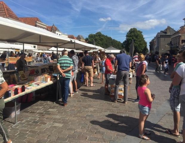 Boekenmarkt Zierikzee zomer 2019 go with the vlo