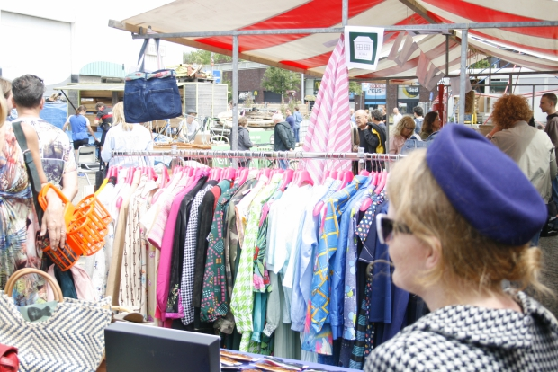 Keilewerf Festival vlooienmarkt vintage kleding go with the vlo