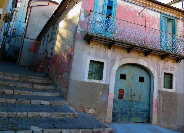 Sepino Molise Italië huizen ik vertrek emigreren go with the vlo
