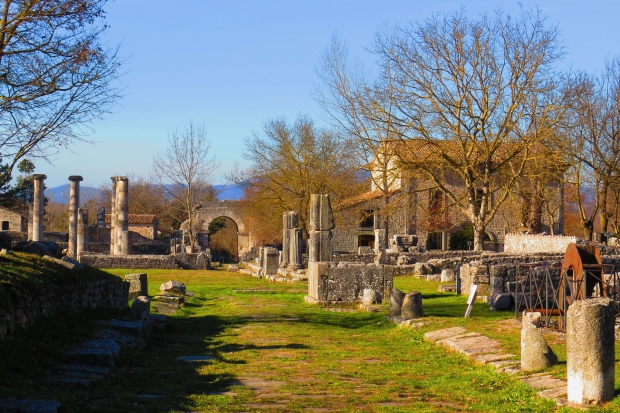 Sepino Molise Romeinse stad Saepinum Italië huizen go with the vlo