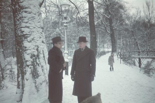 Karl Boske hond Marouchka winter Rotterdam jaren dertig Richard Boske go with the vlo